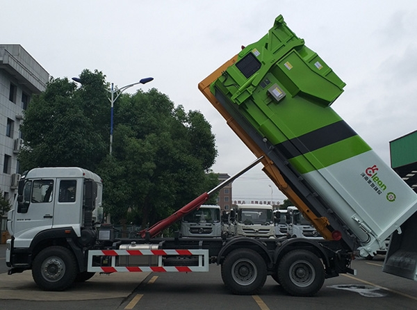 厢可卸式垃圾车